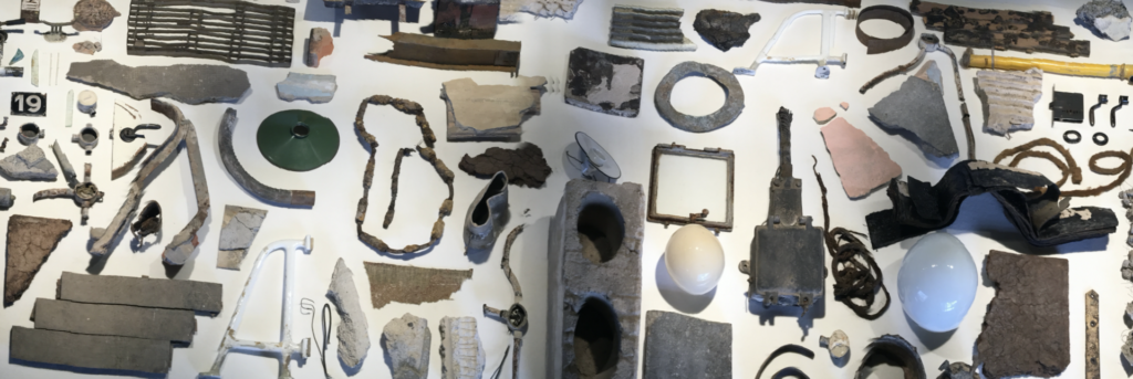 "Mostra materials Exposició ""Archaeology of modernism"" - autor Joan Olona"