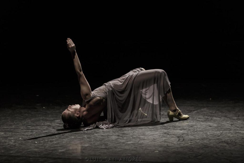 """El cos de la dona i l'energia creativa que genera és l'argument que Carmen Muñoz utilitza a """"Estudio sobre la histeria."""" Foto: Luis San Andrés Malo."""
