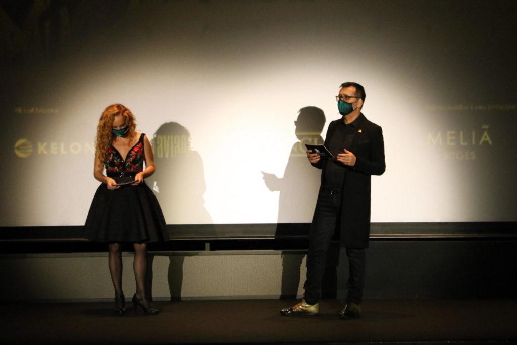 Mònica Garcia, directora general de la Fundació Sitges – Festival Internacional de Cinema Fantàstic de Catalunya, i Ángel Sala, director del certamen, a la gala inaugural del festival, el 8 d'octubre del 2020. Foto: ACN