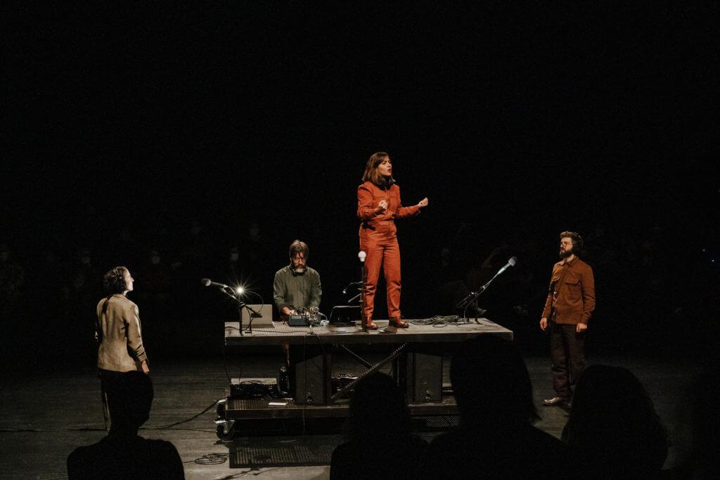'Turba', de Mos Maiorum, un gran espectacle que ha passat pel Lliure. Foto: Magüi Pichinini