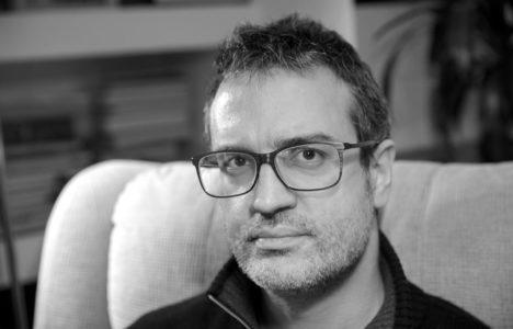 Pere Antoni Pons: «La poesia no vol decència»