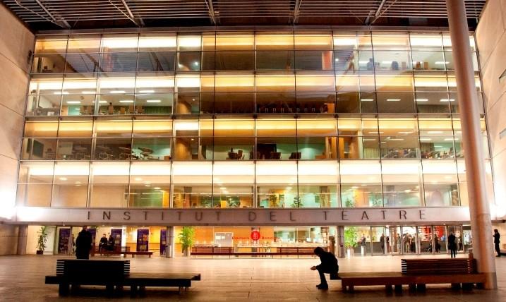 Façana de la seu central de l'Institut del Teatre a Barcelona. Foto: Judit Contreras